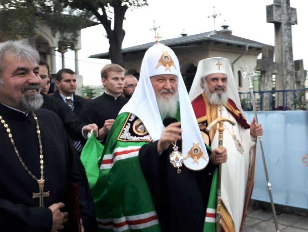 PATRIARHUL RUSIEI LA BUCUREȘTI. Vizită istorică a PF Kirill, cu semnificații diplomatice și duhovnicești, sub semnul CINSTIRII SFINȚILOR și MĂRTURISITORILOR CREDINȚEI SUB COMUNISM: <i>&#8220;Valorile Ortodoxiei sunt COMUNE pentru români și ruși. RELAȚII BUNE pot exista doar atunci când oamenii au VALORI COMUNE&#8221;</i>. Moaștele celui mai iubit sfânt rus, SERAFIM DE SAROV, aduse în România (și VIDEO)