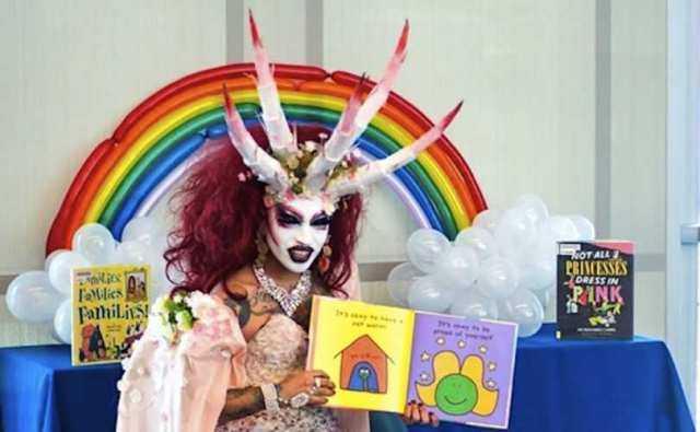 AL TREILEA SEX – LEGALIZAT SI IN GERMANIA/ Casatoria pentru homosexuali nu este obiectivul final. SCOPUL ESTE OPRESAREA CONSERVATORILOR/ Campanie GLOSSY pentru INCEST/ Politia TRANS sau obsedatii de control/ MAJORITATEA COVARSITOARE A ROMÂNILOR NU VREA CASATORII GAY. Studii sociologice recente/ DISNEY CHANNEL se GAYIFICA tot mai mult