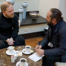 """Interviu cu Pr. ALEXANDR VOLKOV, seful Serviciului de Presa al PF KIRILL. Despre Basarabia, Sinodul din Creta, recursul la nepomenire si altele/ Patriarhul Kirill: <i>""""Trebuie să fii orb ca să nu vezi apropierea APOCALIPSEI""""</i>"""