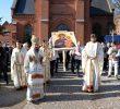 MĂRTURIE DE ORTODOXIE ÎN LUMEA SECULARIZATĂ ȘI IDOLATRĂ &#8211; Procesiune în Danemarca a Părintelui Episcop Macarie cu Icoana Maicii Domnului <i>&#8220;Arătătoarea Căii&#8221;</i> (FOTO, VIDEO)/ Părintele GHEORGHE HOLBEA &#8211; CONFERINȚĂ despre ICOANA ORTODOXĂ vs. IMAGINEA MEDIATICĂ, FANTASMELE LUMII VIRTUALE și FALSA ICONOGRAFIE OCCIDENTALĂ (video)