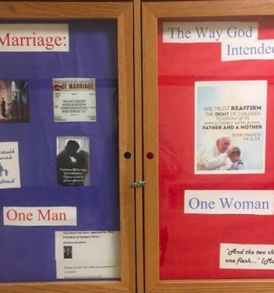 """CANADA INTERZICE CUVINTELE """"MAMA"""" SI """"TATA"""" IN FORMULARELE ADMINISTRATIVE/ Linsarea unui student crestin de catre grupari pro-LGBT la o facultate …catolica! Realizam unde am ajuns?/ Pseudo-stiintele REVOLUTIEI SEXUALE/ Idei periculoase: ANTINATALISMUL/ Exista un drept international la avort?/ COMBATEREA PORNOGRAFIEI – o necesitate"""