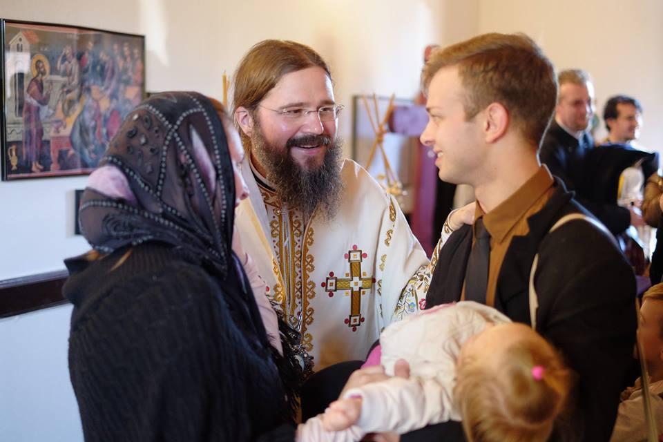 """<i>CUI DĂM VIAȚA NOASTRĂ?</i> † Părintele Episcop Macarie – PASTORALĂ de Înviere RĂSCOLITOARE ȘI PROVOCATOARE, atingând multe probleme de dureroasă ACTUALITATE: <i>""""Trăim vremuri de restriște pentru creștini. Există o PRIGOANĂ, deocamdată în forme atenuate. SUNTEM URÂȚI PENTRU HRISTOSUL NOSTRU, pe care refuzăm să-L transformăm într-un simulacru""""</i> (și audio, video)"""