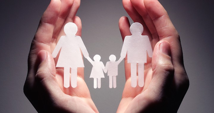 """REEDUCARE PENTRU """"O NOUA CULTURA FAMILIALA"""", """"DIVERSITATE"""" si """"modele familiale"""" care sa nu fie unice! Ministerul Educatiei vrea sa instituie CURSURI DE EDUCATIE PARENTALA OBLIGATORIE. Printre altele, documentul critica parintii atasati VALORILOR TRADITIONALE si mentioneaza REPREZENTANTII BISERICII printre cei responsabili de scaderea vaccinarilor"""