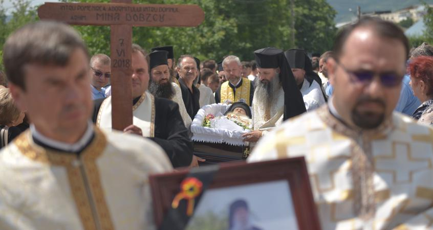 """PARINTELE MINA DOBZEU (†7 iunie 2018) – FLACĂRA MĂRTURISITOARE FĂRĂ ASTÂMPĂR, botezătorul din temniță al marelui STEINHARDT și duhovnicul care <i>""""nu a tăcut într-o vreme în care cam toată lumea tăcea""""</i> (VIDEO)"""