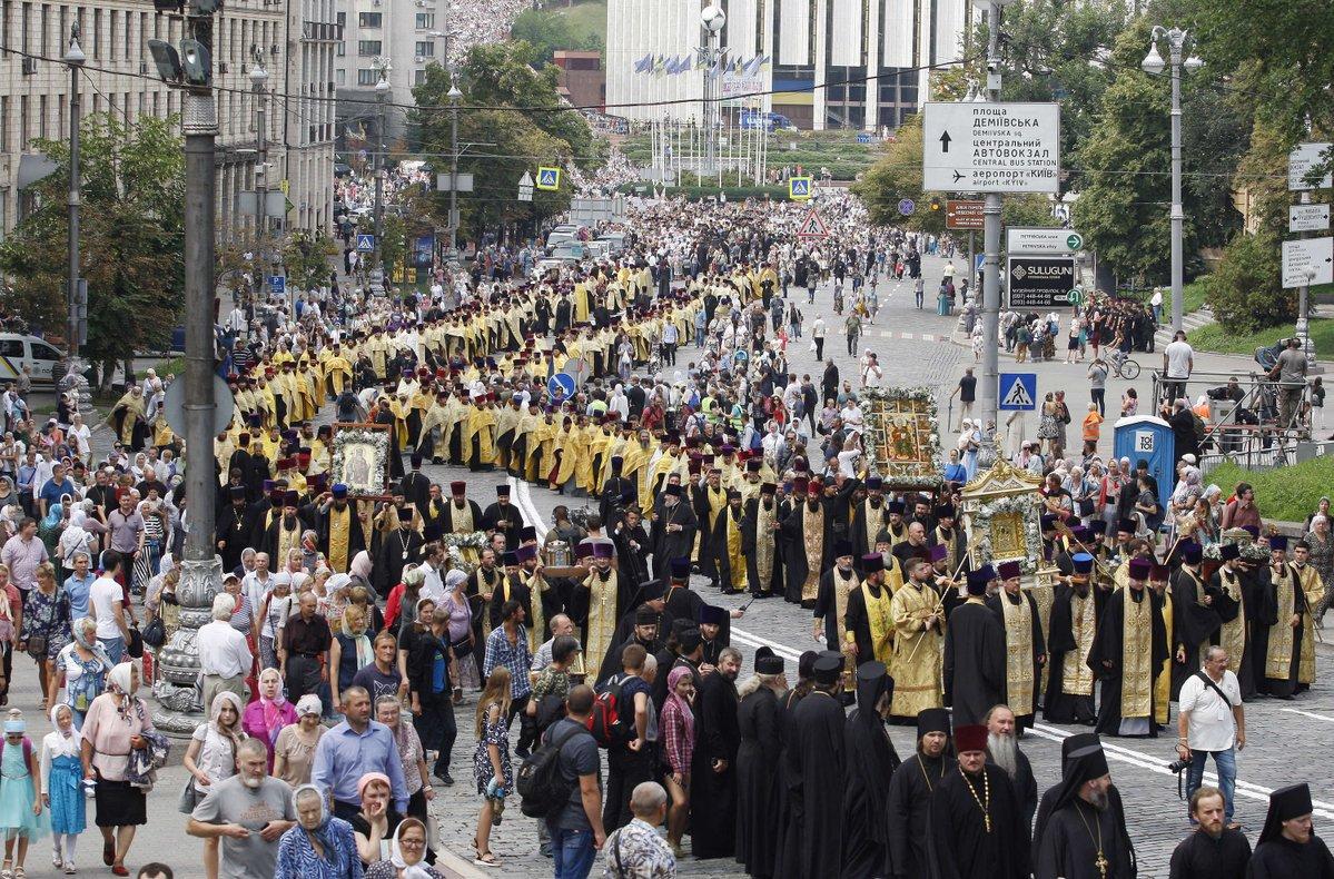Presedintele Ucrainei declara BISERICA ORTODOXA subordonata Patriarhiei Moscovei AMENINTARE LA ADRESA SECURITATII NATIONALE/ Tezele de la Tusnad ale lui VIKTOR ORBAN: fiecare tara are dreptul sa-si apere cultura crestina si modelul familiei traditionale. CE A SPUS LIDERUL UNGARIEI DESPRE CENTENAR
