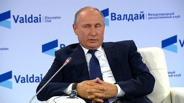 In timp ce PUTIN vorbeste despre atacuri nucleare care vor martiriza rusii si vor duce la distrugerea agresorului, TRUMP anunta RETRAGEREA SUA din tratatul nuclear incheiat cu RUSIA