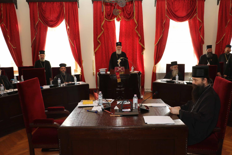 Sinodul Bisericii Serbiei NU RECUNOASTE reabilitarea canonica a liderilor schismatici din UCRAINA de catre Patriarhia Constantinopolului