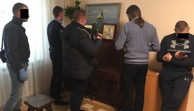 Politia si Securitatea Ucrainei au PERCHEZITIONAT biserici ortodoxe afiliate Patriarhiei Moscovei si resedinta Staretului LAVREI PECERSKA