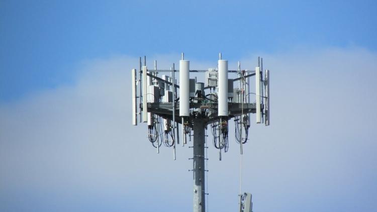Asociatia Pro Consumatori a lansat campania STOP 5G despre PERICOLELE folosirii tehnologiei 5G asupra POPULATIEI. In Floresti (Cluj) si Bucuresti ar fi inceput, deja, TESTAREA retelei!