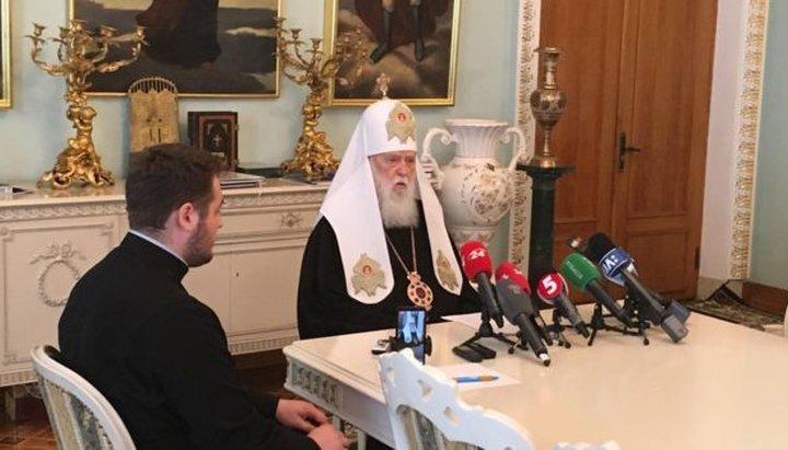 """NOUA SCHISMA in Ucraina. """"PATRIARHUL"""" FILARET reactiveaza structura schismatica a """"Patriarhiei"""" Kievului, dupa care ii sunt retrase """"drepturile canonice"""" de catre noua structură autocefala infiintata de FANAR"""