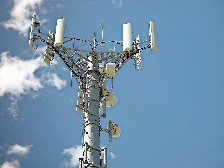 """DEZBATERE ÎN BĂTAIE DE JOC DESPRE TEHNOLOGIA 5G. <i>""""România nu sunteți dumneavoastră!"""" (Video)</i>/  Medicul Anca Niţulescu despre EFECTELE DAUNATOARE ale radiatiilor 5G/ STUDII si AVERTISMENTE despre riscurile ultimelor tehnologii wireless"""