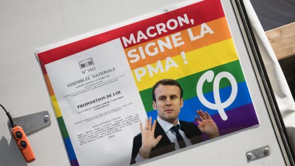 Franta. Organizatiile LGBT preseaza pentru o adevarata CENZURA a presei in contextul punerii in dezbatere a EXTINDERII REPRODUCERII ASISTATE si la cupluri GAY/ Academia de Medicina arata ca exista riscul unei RUPTURI ANTROPOLOGICE majore