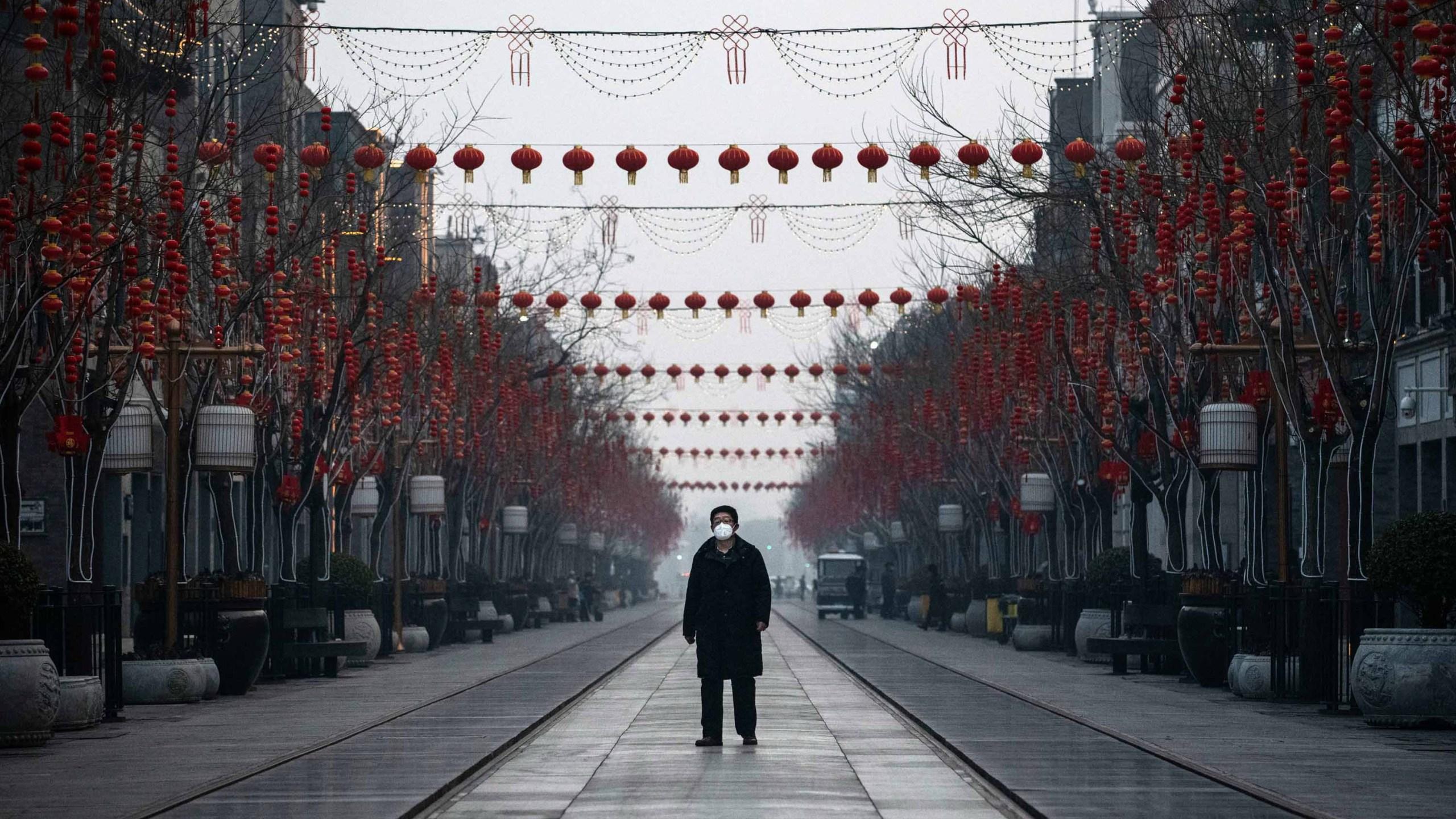 """IADUL CONCENTRAȚIONAR DIN CHINA, pe cale de a fi generalizat la nivel global? CORONAVIRUSUL – oportunitate pentru instituirea STATULUI POLIȚIENESC CEL MAI DRACONIC CU PUTINȚĂ/ Directorul general al OMS apasă BUTONUL ROȘU DE PANICĂ: <i>""""Un virus poate avea consecințe mai puternice decât orice acțiune teroristă. ESTE INAMICUL PUBLIC NUMĂRUL 1 PENTRU ÎNTREAGA LUME""""</i>"""