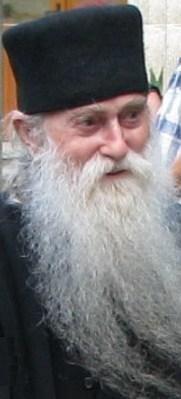 Parintele Arsenie Papacioc – Inima care bate de 94 ani pentru Ortodoxie