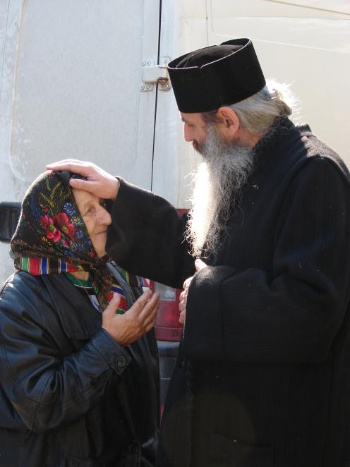 O inima de mama catre o inima de ierarh – scrisoare deschisa a unei simple credincioase catre IPS TEOFAN