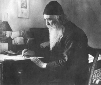 Fericitul Filotheos Zervakos – DOUA MINUNI DOVEDITOARE CA NU MANTUIESTE CALENDARUL, CI POCAINTA