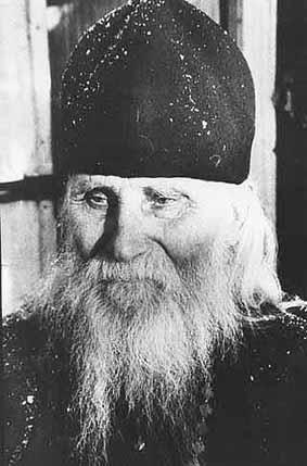 UN SFANT CONTEMPORAN: <b>Fericitul Parinte NICOLAE GURIANOV (al Zalitului)</b>: <i>&#8220;Aflati simplitatea fata de voi insiva si veti dobandi binecuvantarea&#8221;</i>. <b>PROFETIA DESPRE PUTIN SI VENIREA UNUI TAR ORTODOX</b>