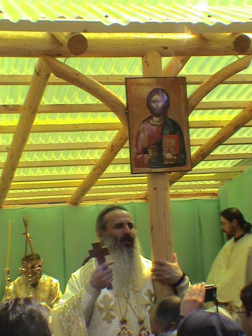 IPS TEOFAN marturisind despre necesitatea apararii credintei si de catre mireni