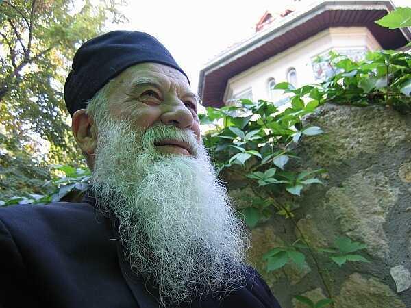 Testamentul duhovnicesc al parintelui Calciu: DRAGOSTEA, SMERENIA, BUNATATEA, RUGACIUNEA (I): <i>&#8220;Sa nu ucidem dragostea lui Dumnezeu din noi!&#8221;</i>