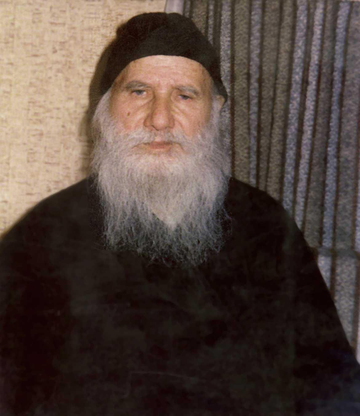"""DIN VIATA SI INVATATURILE PARINTELUI PORFIRIE (†2 decembrie 1991): <i>""""Hristos nu vrea langa El oameni grosolani, ci delicati…""""</i>"""