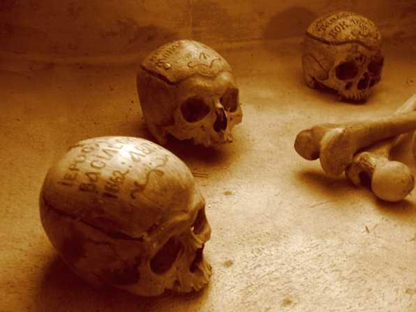 <i>&#8220;Sambata lui Toader&#8221; (a Sfantului Mucenic Teodor Tiron)</i> – minunea colivelor si pomenirea mortilor. SI DESPRE ADUCEREA AMINTE DE MOARTE