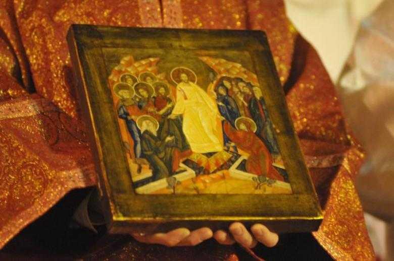 Lumini de cuvant, din <i>lacrima si har</i>, de la Parintele Constantin Sarbu, pentru SAPTAMANA LUMINATA, SAPTAMANA VESNICIEI. Cum sa aprindem <i>lumina din noi</i>?