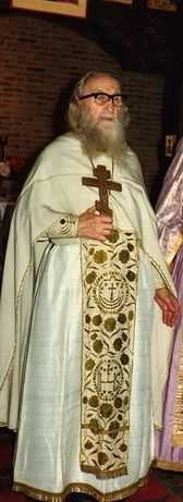 p. Sofronie dupa slujire liturgica