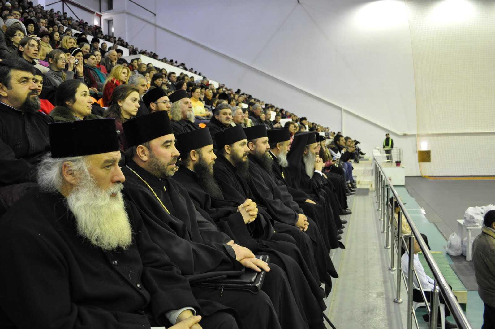 Parintii Arsenie Papacioc si Proclu Nicau despre JUDECAREA PREOTILOR (VIDEO)
