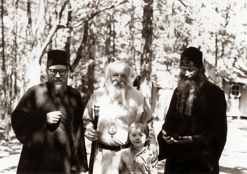 MINUNATA FRATIE A PARINTILOR SERAFIM ROSE SI GHERMAN. Ce putere are ravna sincera si curata pentru Ortodoxie si ce inseamna fratietatea adevarata in Duh…