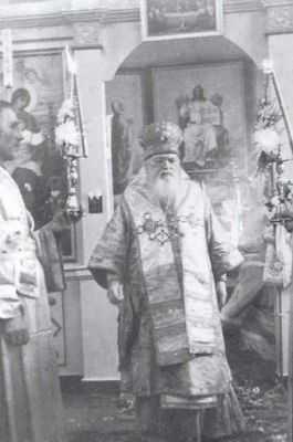 TANARUL BOGAT. Predica Sfantului Luca al Crimeei despre cei bogati si despre saracii care ravnesc la placeri si averi. CE VREA DE LA NOI HRISTOS?