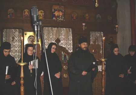 Manastirea Diaconesti – scrisoare de sustinere pentru Parintele Efrem de la Vatopedu: <b>ACEASTA LOVITURA ESTE IMPOTRIVA INTREGII ORTODOXII</b>