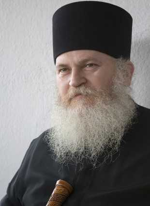 PARINTELE EFREM IN ROMANIA: Cuvinte din Sfantul Munte (I) – Conferinta de la Alba-Iulia, 2000 (prima parte)
