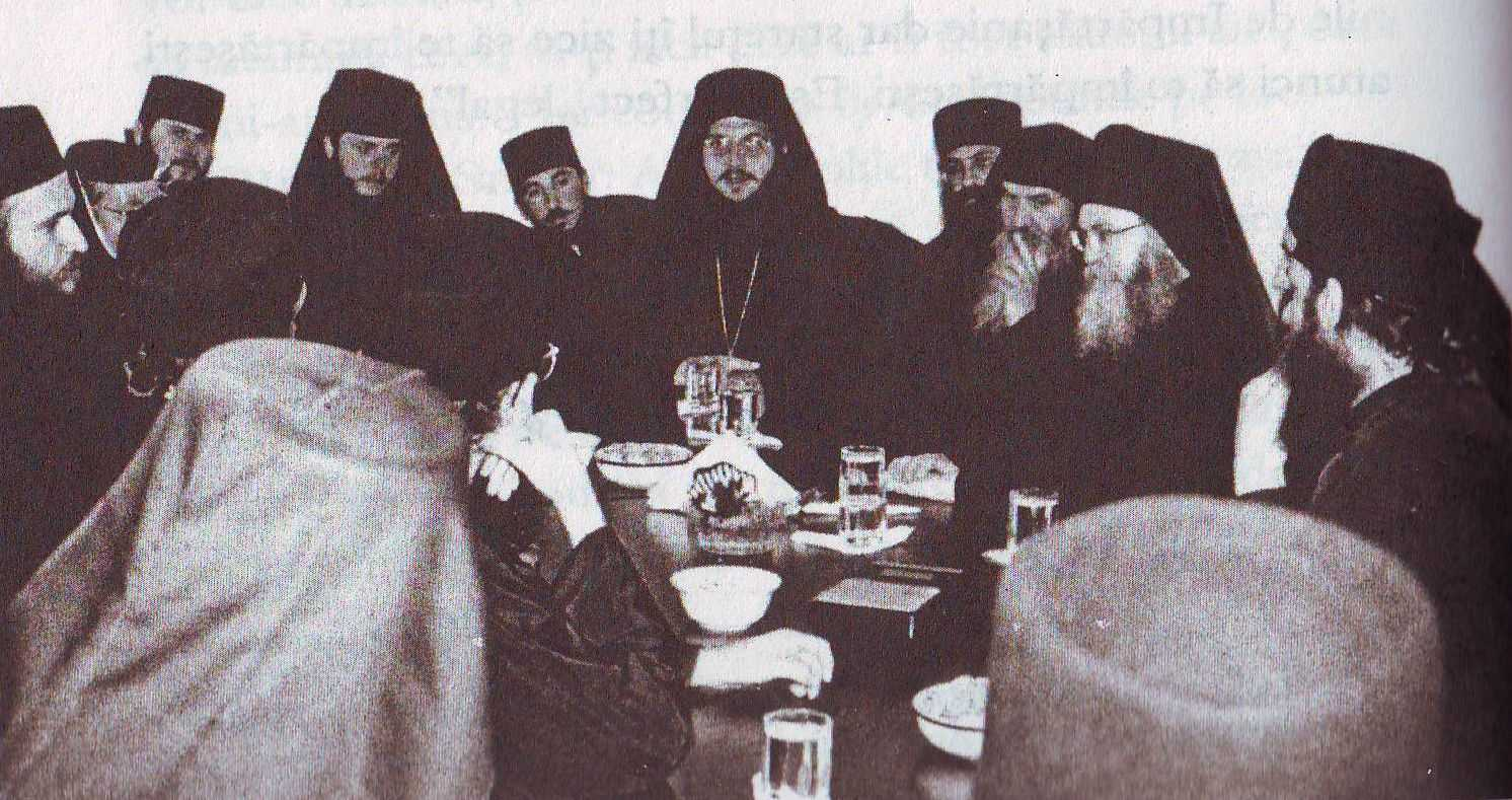 PARINTELE EFREM VATOPEDINUL &#8211; CONFERINTA LA CLUJ (2000): <i><b>&#8220;Cel care este membru activ al masoneriei este luptator impotriva harului Duhului Sfant!&#8221;</b></i>