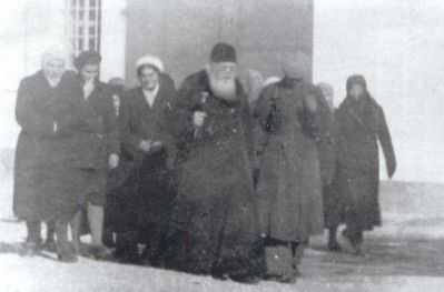 <b>Sfantul Luca al Crimeei: CUVANT IMPORTANT DESPRE INTINAREA DE LA LUME</b>: <i>Sa fugim de nerusinare, de clevetire, de ura si aroganta ucigase, de sectanti!</i>