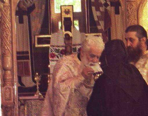 "Parintele Gheorghe Calciu: <i>""SPOVEDITI-VA SI IMPARTASITI-VA, NU E NIMIC MAI INALT IN LUMEA ACEASTA!""</i>"
