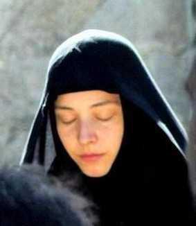 orthodox nun praying