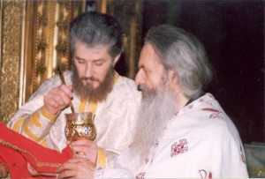 fr-rafail-during-the-divine-liturgy-st-nicholas-church-bucharest-2002-1