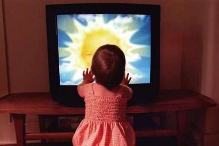 COPIII SI TELEVIZORUL in familiile crestine. DE CE ALEGEM SA NE OTRAVIM SINGURI COPIII?