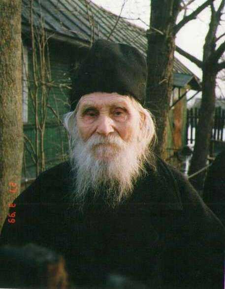 "<i>""Nesfintii sfinti""</i>: CUVIOSUL NICOLAE GURIANOV ii profeteste PARINTELUI TIHON ca va fi monah"