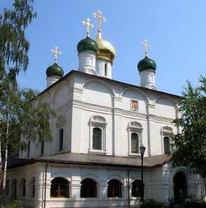 594px-Sretensky_Monastery_3