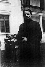 8 Fr. Iulian Stoicescu