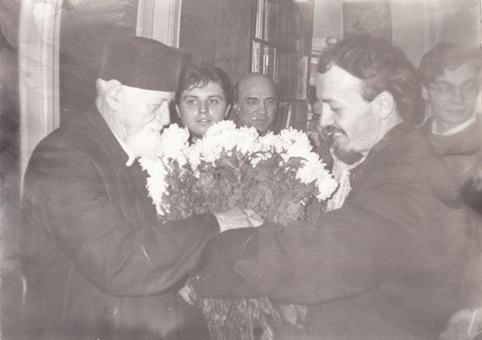 parintele-Dumitru-Staniloae-si-pr.-Gheorghe-Holbea-tanar-2