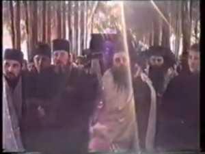 Inmormantarea Parintelui Cleopa Ilie - YouTube2
