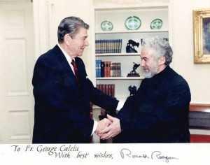 Parintele-Calciu-si-Ronald-Reagan-Roncea-Ro