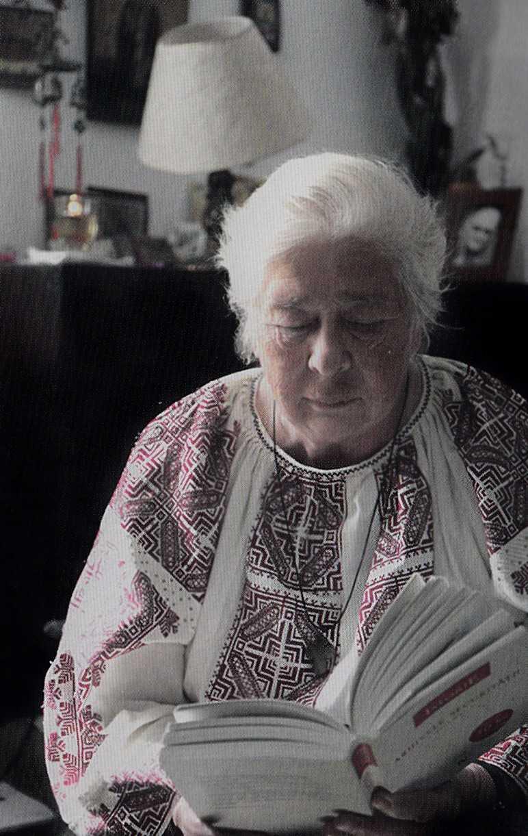 """Doamna GALINA RADULEANU in """"Familia ortodoxa"""" (II): <i>""""<b>Dumnezeu ne vorbeste, realmente!, numai ca nu-L auzim, dar ne vorbeste!</b> VANEAZA LA MAXIMUM PUTINELE CLIPE LIBERE PENTRU A TE INTERIORIZA!""""</i>"""