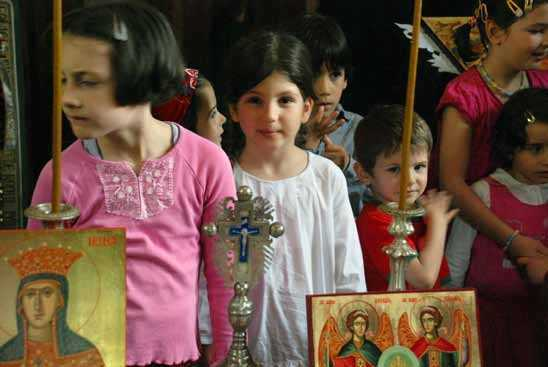 "<i>""Cum sa educam ortodox copilul""</i>: <b>CUM TREBUIE SA FIE CASA IN CARE CRESC COPIII?</b> – sfaturi intelepte pentru PARINTI de la sfinti si mari duhovnici"