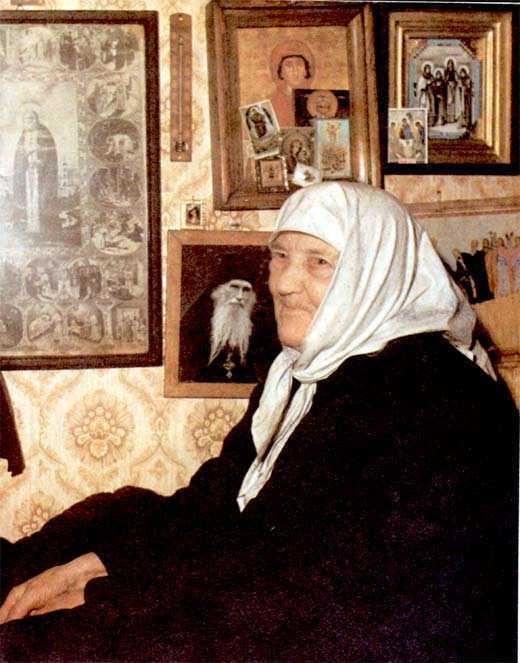 """Cum a trecut <b>Maica Eufrosina de la Diveevo</b> prin iadul bolsevic: <i>""""TOATE ACESTEA SUNT PEDEAPSA LUI DUMNEZEU. DOMNUL A INGADUIT ACEASTA STAPANIRE""""</i>"""