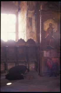 monk_praying_in_church_2