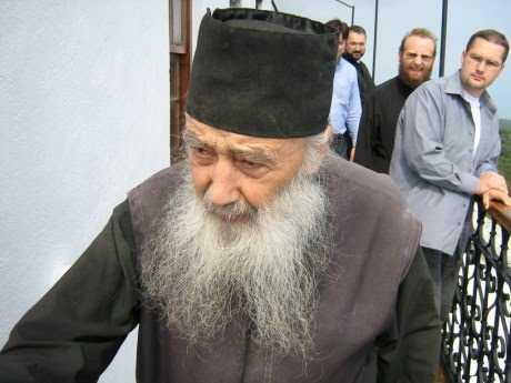 FERICITUL PARINTE PETRONIU TANASE, marele duhovnic al Prodromului athonit <i>(22 februarie – 3 ani de la adormirea intru Domnul)</i> despre NUMARUL 666