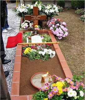 Mormantul Cuviosului Paisie de la Manastirea Sfantului Ioan Teologul de la Suroti